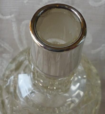 bottiglia profumo collo alto L. 1920 004