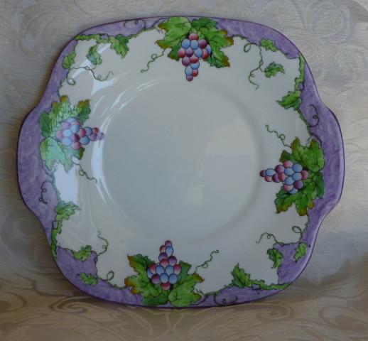 piatto con uva crown 001